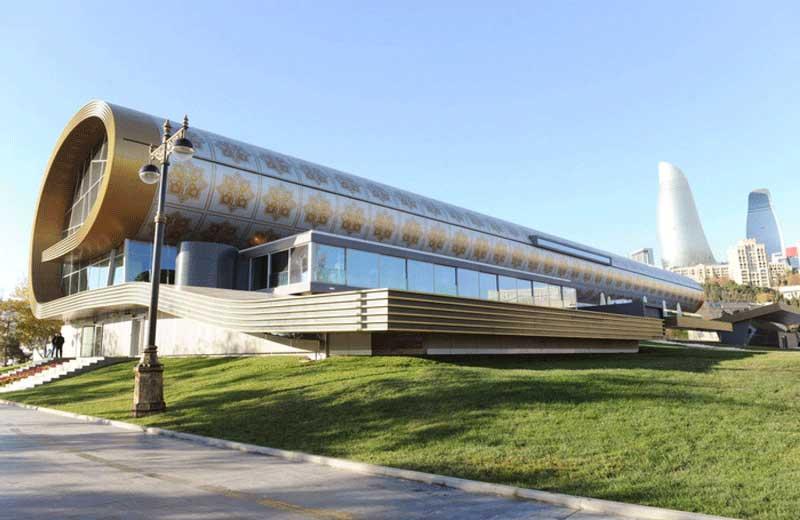 موزه فرش باکو در فهرست مکان های دیدنی باکو