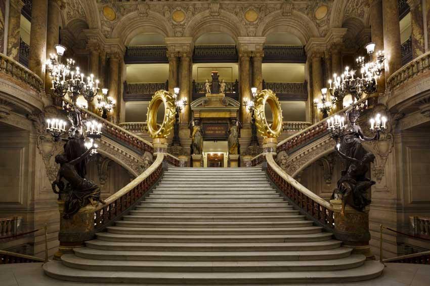 کاخ اپرا گارنیه راهنمای سفر به پاریس