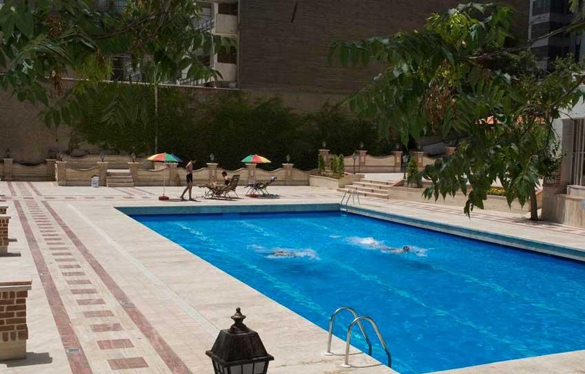استخر هتل انقلاب تهران