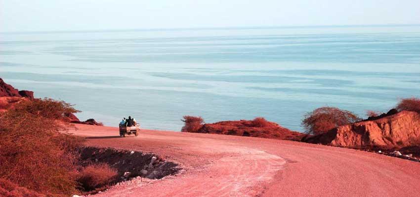 معدن خاک سرخ هرمز جاذبه های گردشگری قشم