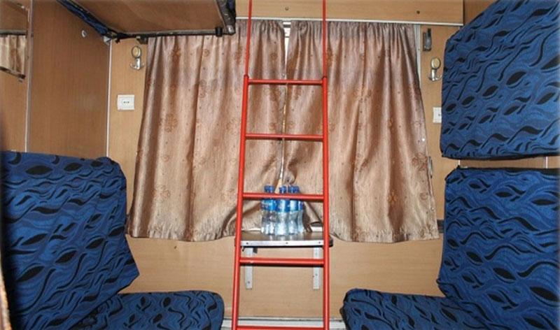 قطار شش تخته مهتاب - سفر ارزان