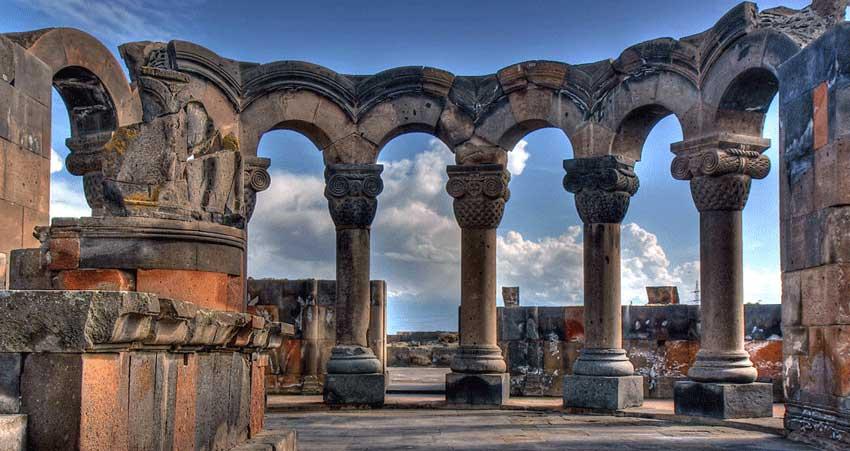 کلیسای جامع زوارنتوس