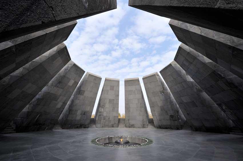 موزه نسل کشی ارامنه ایروان