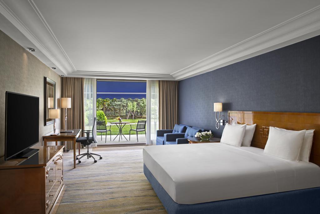 هتل های میدان تکسیم - هیلتون