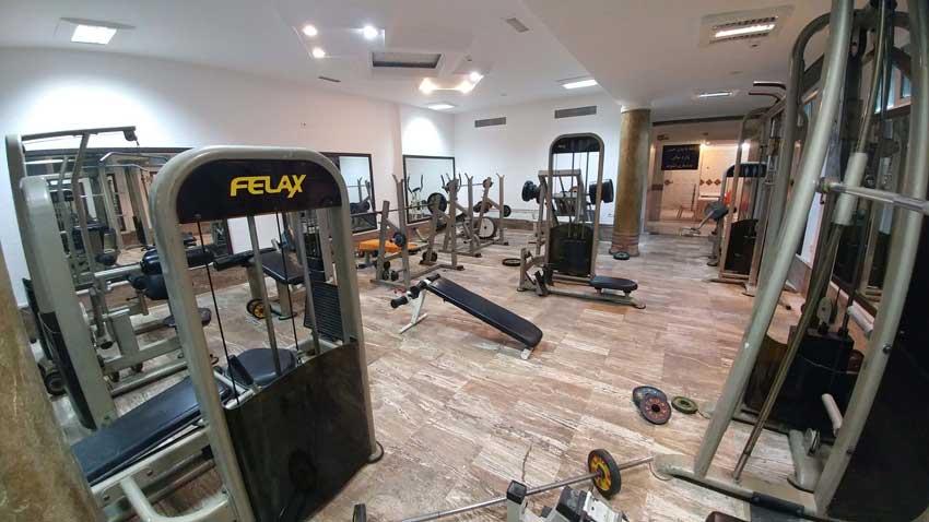 سالن ورزشی هتل انقلاب تهران