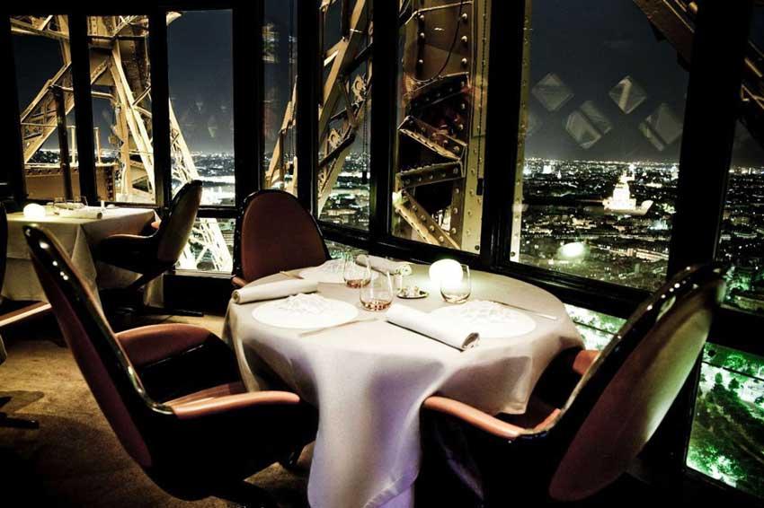 رستوران ژول ورن هزینه های سفر به پاریس